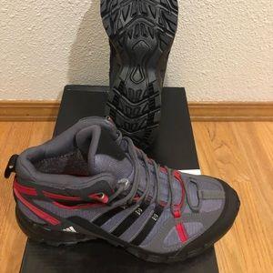 Brand new adidas gortex outdoor plein air boots 9